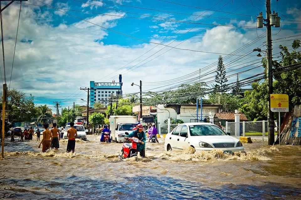 Для мешканців деяких міст світу життя по коліно у воді може стати реальністю в 2050 році