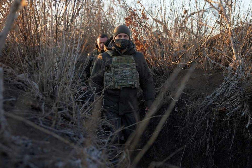 Ініціативи Зеленського щодо Донбасу з року в рік все більше нагадують дії Петра Порошенка / ОП