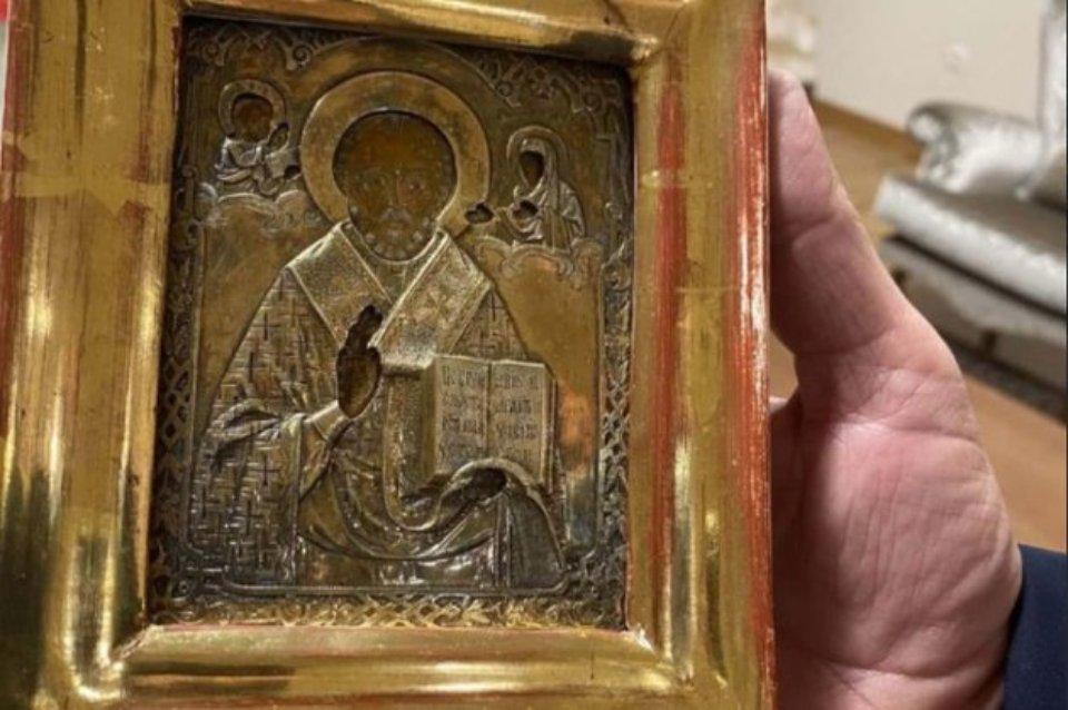 На печатці вказано, що ікона належала УРСР / СРНА