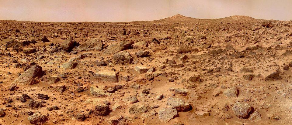 Під пустелями Червоної планети криються озера з рідкою водою / NASA