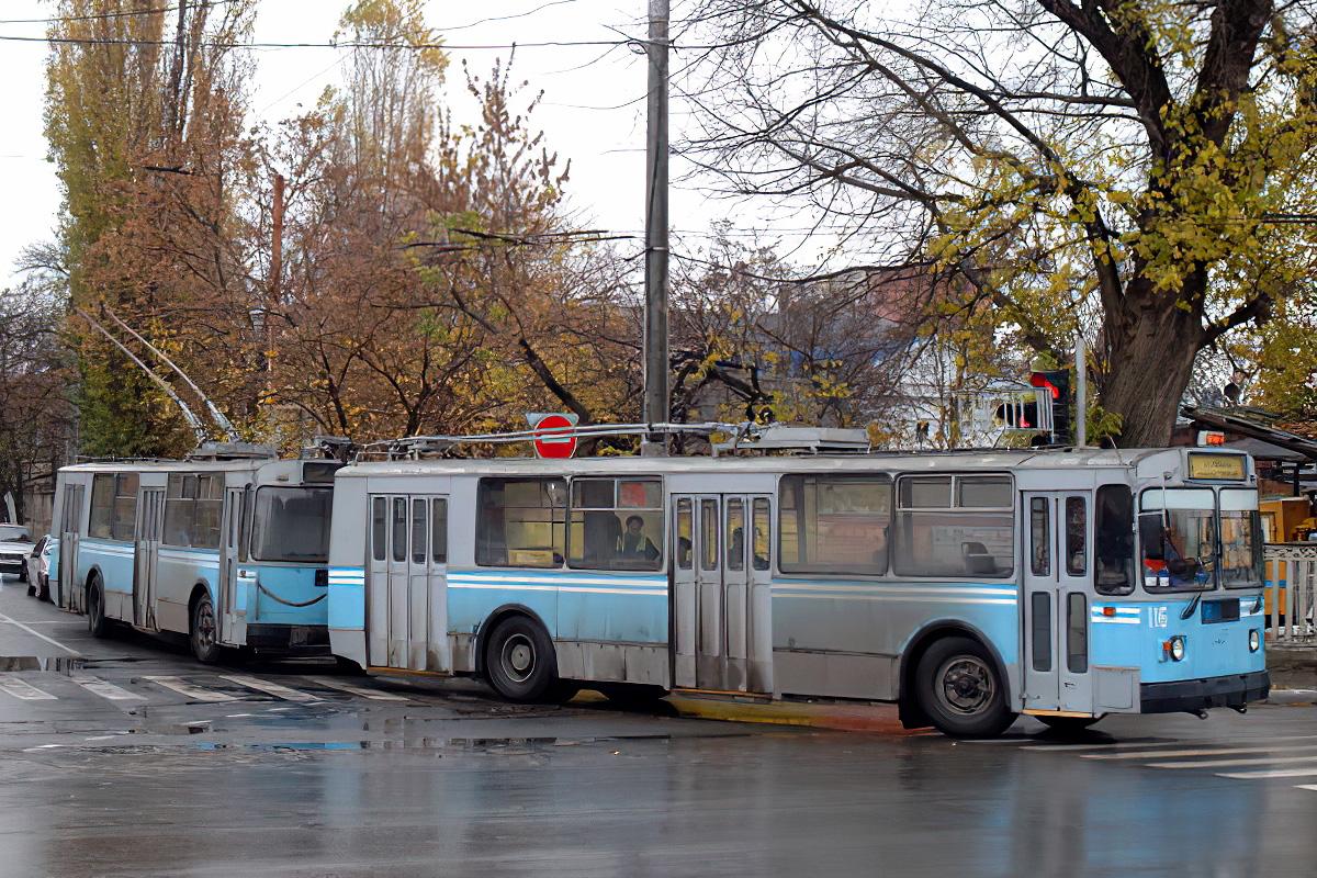 Тролейбусний поїзд у Краснодарі