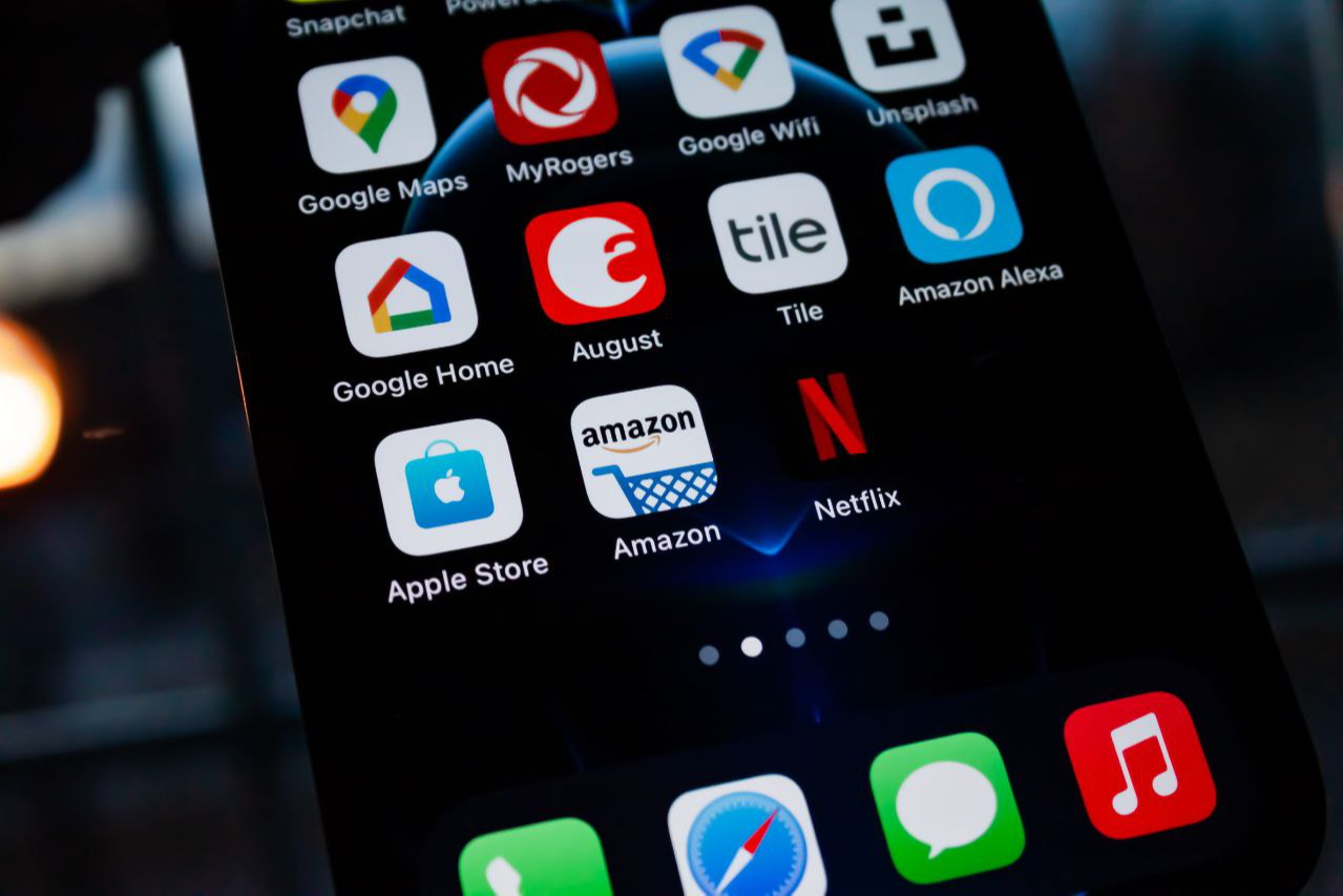 Amazon навсегда заблокировала 600 китайских брендов за манипуляции с отзывами