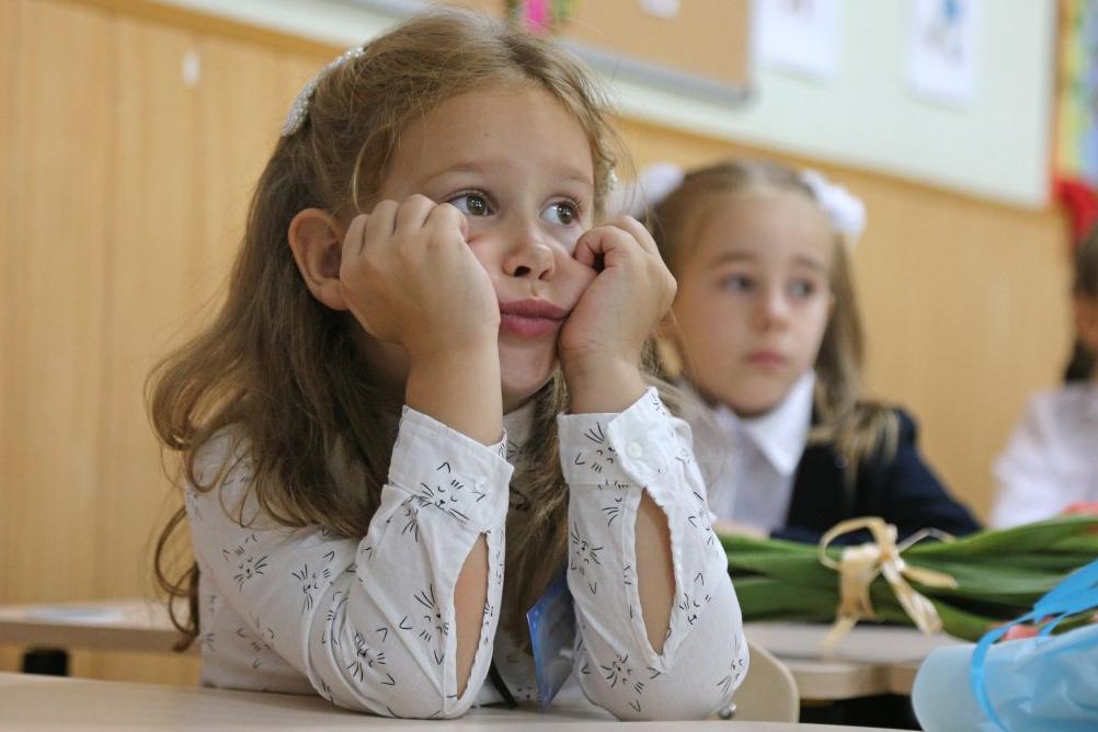 Каникулы в школах могут продлиться три-четыре недели — главный санврач
